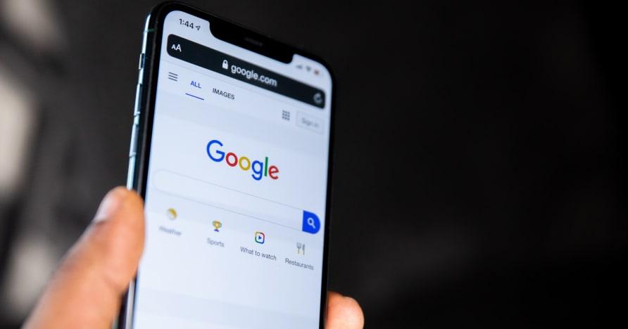 """""""Google"""" leidžia platinti realių pinigų lošimų programas dar 15 šalių"""