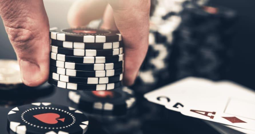 """5 didžiausi pokerio ir """"blackjack"""" skirtumai"""