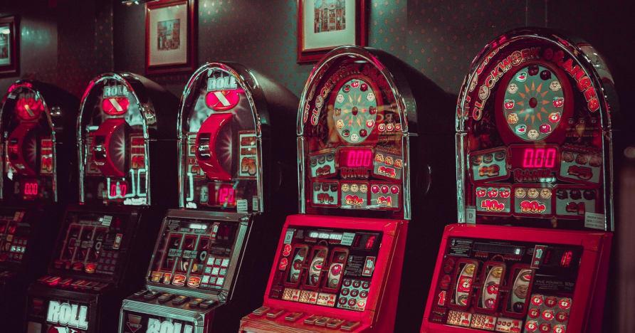 Mažo nepastovumo internetiniai lošimo automatai